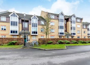 Thumbnail 2 bed flat to rent in Faraday Road, Guildford
