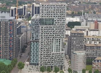 Thumbnail 1 bedroom property to rent in Talisman Tower, 6 Lincoln Plaza, Canary Wharf, London.
