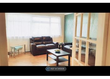 Thumbnail 3 bedroom flat to rent in Colne Court, Epsom
