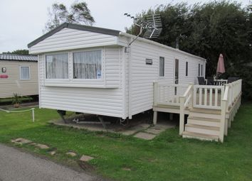 Thumbnail 2 bedroom mobile/park home for sale in Solent Breezes, Hook Lane (Ref 5426), Warsash, Southampton, Hampshire