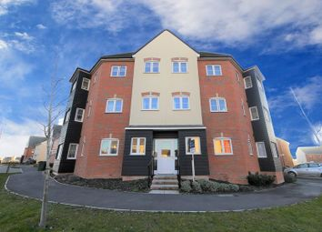 Thumbnail 2 bed flat for sale in Elm Park, Didcot