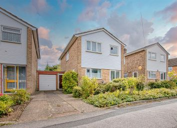 Stratfield Road, Borehamwood WD6. 3 bed detached house