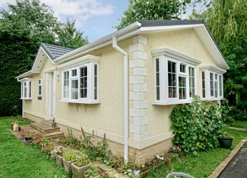 Thumbnail 2 bed mobile/park home for sale in Park Lane Meadows, Godmanchester, Huntingdon.