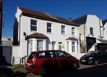 Thumbnail Flat to rent in Neville Road, Croydon