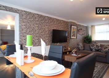 1 bed property to rent in Churchill Gardens, London SW1V