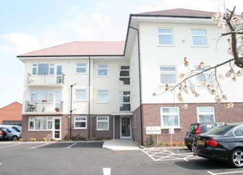 Thumbnail 2 bed flat to rent in Fitzalan Road, Littlehampton, West Sussex