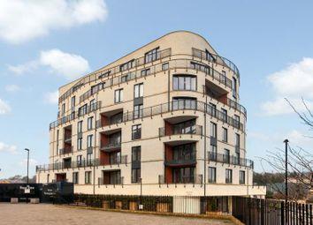 Thumbnail 2 bed flat to rent in Victoria Bridge Road, Bath