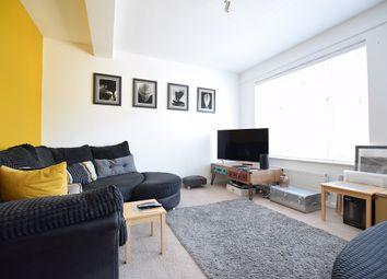 Rances Lane, Wokingham RG40. 3 bed flat