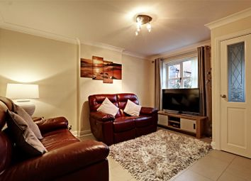 2 bed flat for sale in High Trees Mount, Hull, East Yorkshire HU8