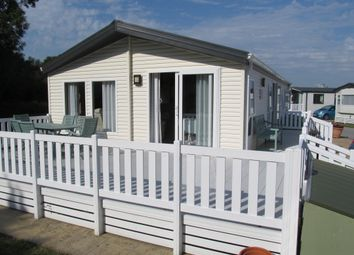 Thumbnail 1 bed mobile/park home for sale in Woodland Walk, Martello Beach Park (Ref 5643), Pevensey Bay, East Sussex