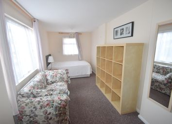 Thumbnail 1 bed flat to rent in Fairlea Road, Emsworth
