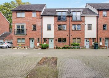 Thumbnail 4 bed town house for sale in Delrogue Road, Ifield, Crawley