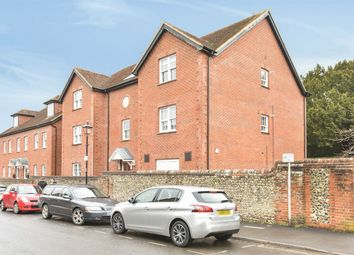 Thumbnail 2 bed flat to rent in Station Road, Alresford