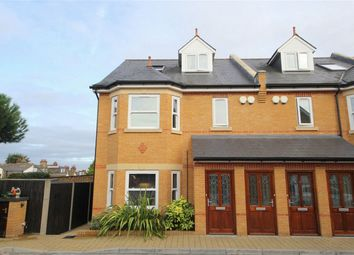 Thumbnail 3 bed maisonette to rent in 148 Gordon Hill, Enfield, Greater London