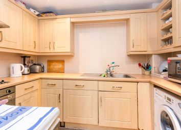 2 bed flat for sale in Glebelands Close, Finchley, London N12