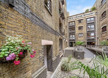 Thumbnail Studio to rent in New Crane Place, London