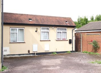 Thumbnail 3 bed flat to rent in Salt Hill Avenue, Slough