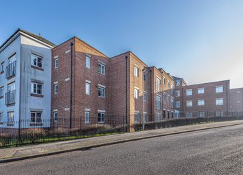 2 bed flat to rent in North Way, Headington, Oxford OX3