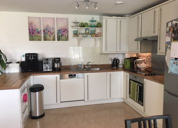 Thumbnail 2 bed flat to rent in Loch Crescent, London