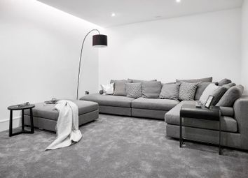 Thumbnail 5 bed property to rent in Calvin Street, London
