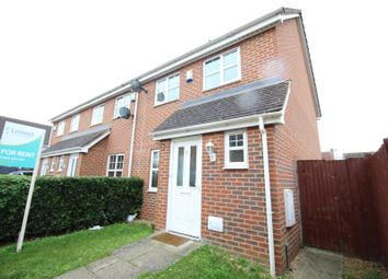 3 bed semi-detached house to rent in The Sidings, Henlow SG16