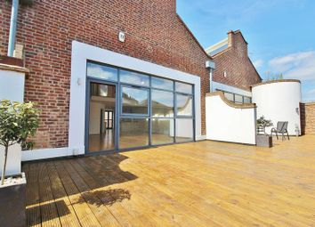 Thumbnail 2 bed flat for sale in Albert Road, Southsea