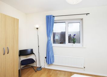 Thumbnail Room to rent in Hillview Drive, Woolwich Aresenal, Thamesmed, South East London