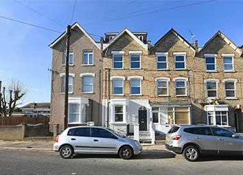 Thumbnail 2 bedroom flat to rent in Holly Park Road, Friern Barnet