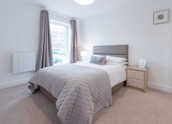 Thumbnail 1 bed flat to rent in Rookfield Road, Horsham