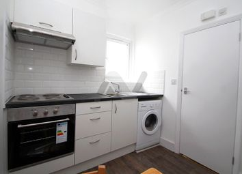 Thumbnail Studio to rent in Broadway Parade, Crouch End