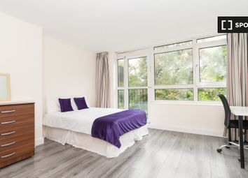 Room to rent in Boundary Road, London NW8