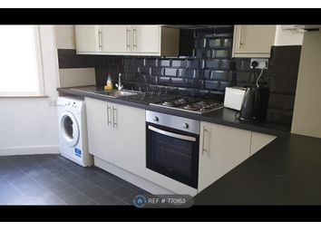 3 bed semi-detached house to rent in Park Ave, Barking IG11