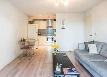2 bed flat for sale in Beaconsfield Road, London N11