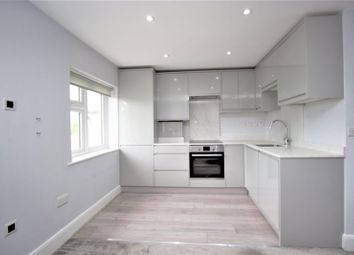 3 bed flat to rent in Central Avenue, Enfield EN1