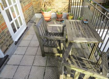 Thumbnail 2 bed flat to rent in Frognal, Hampstead