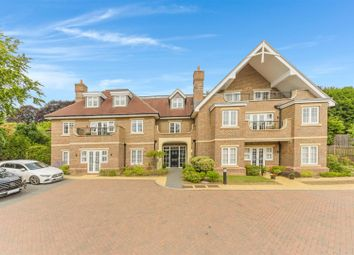 2 bed flat for sale in Outwood Lane, Chipstead, Coulsdon CR5