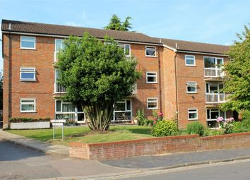 Thumbnail 2 bed flat to rent in Avenue Road, St Albans, Hertfordshire