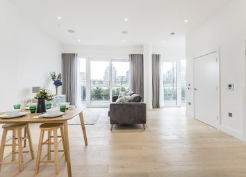 Thumbnail 2 bedroom flat to rent in Central Avenue, London