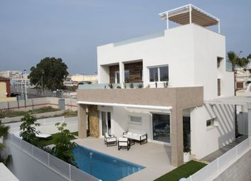 Thumbnail 3 bed villa for sale in Valencia, Alicante, Aguas Nuevas