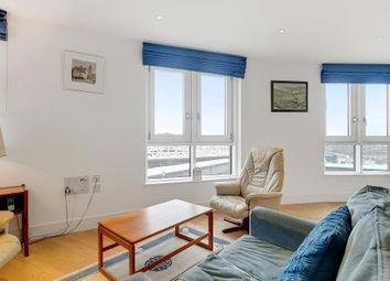 Thumbnail 2 bedroom flat for sale in Queensland Road, Islington
