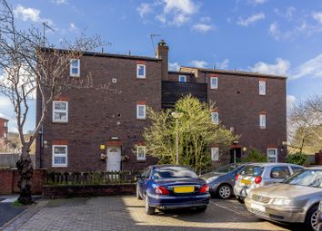 Thumbnail 1 bed flat for sale in Aspen Green, Erith