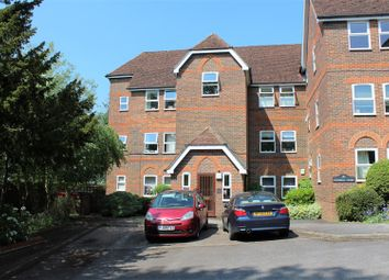 Thumbnail 3 bedroom flat for sale in Malmers Well Road, High Wycombe