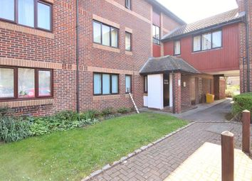 Thumbnail 1 bed flat to rent in Pebble Drive, Didcot