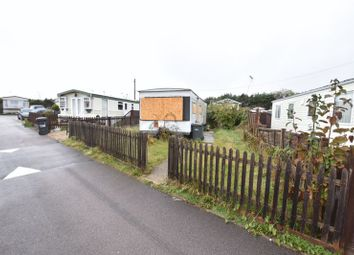 Thumbnail 1 bedroom mobile/park home for sale in Stopsley Mobile Home Park, St. Thomas's Road, Luton