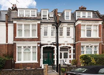 Thumbnail Flat for sale in Howitt Close, London
