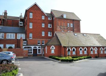 Thumbnail 2 bed flat to rent in 21 Eversley Park, Folkestone
