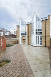 Thumbnail Room to rent in North Road, Brentford