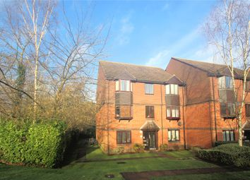2 bed flat for sale in Foxhills, Horsell, Woking GU21