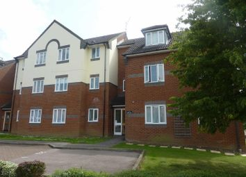 Thumbnail 1 bed flat to rent in Siskin Close, Bushey