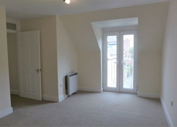 Thumbnail 1 bed flat to rent in Charles Dickens Court, Old Commercial Road, Portsmouth, Hampshire